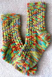 Носки в разноцветную крапинку
