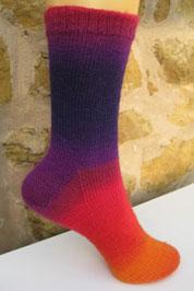 Вязаные носки из секторной пряжи